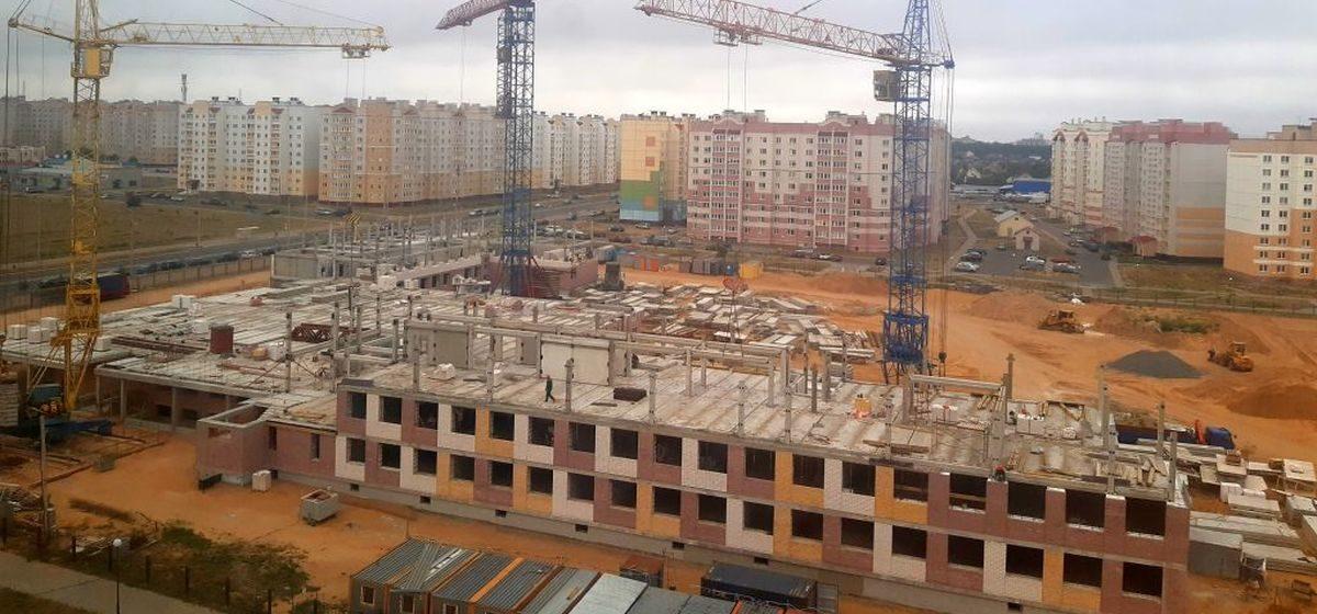 Новости. Главное за 5 августа: как прошел первый день досрочного голосования, и как идет строительство новой школы в Барановичах