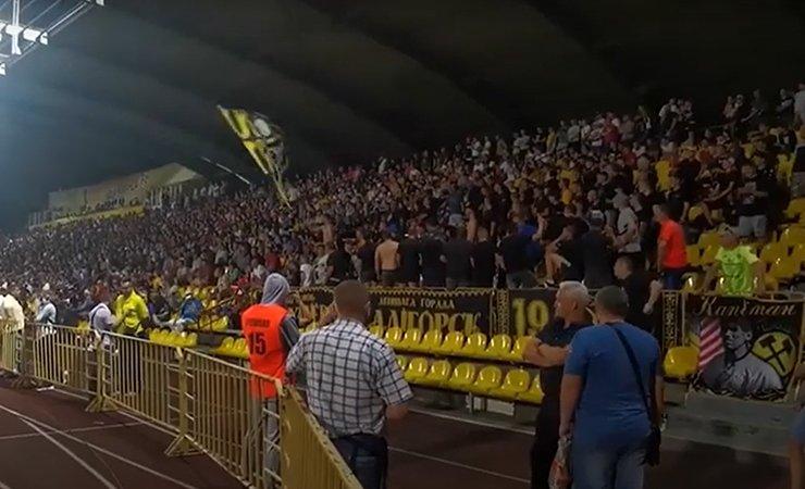 В Солигорске стадион скандировал «Жыве Беларусь!» После этого были перенесены два матча чемпионата Беларуси по футболу. Видео