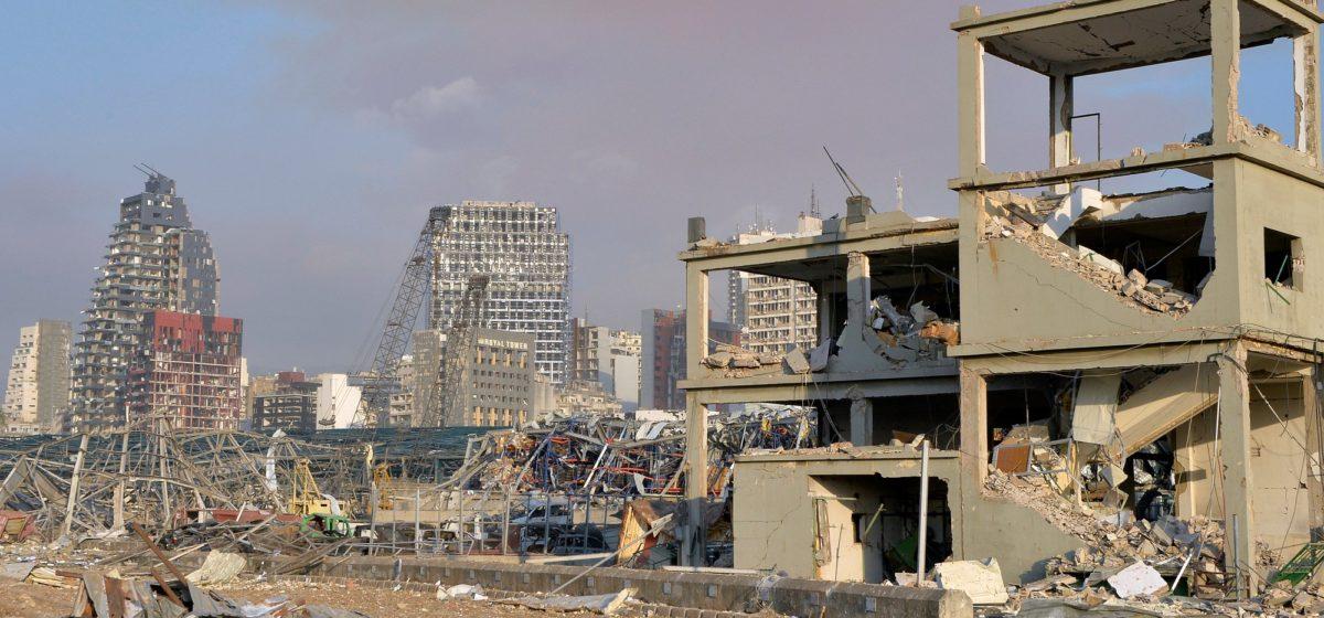 Посмотрите, как из космоса выглядит разрушенный взрывом порт в Бейруте