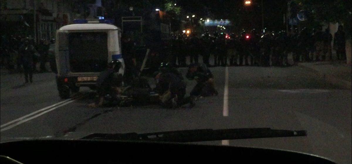 Стало известно, сколько людей пострадало после жестких столкновений в Барановичах