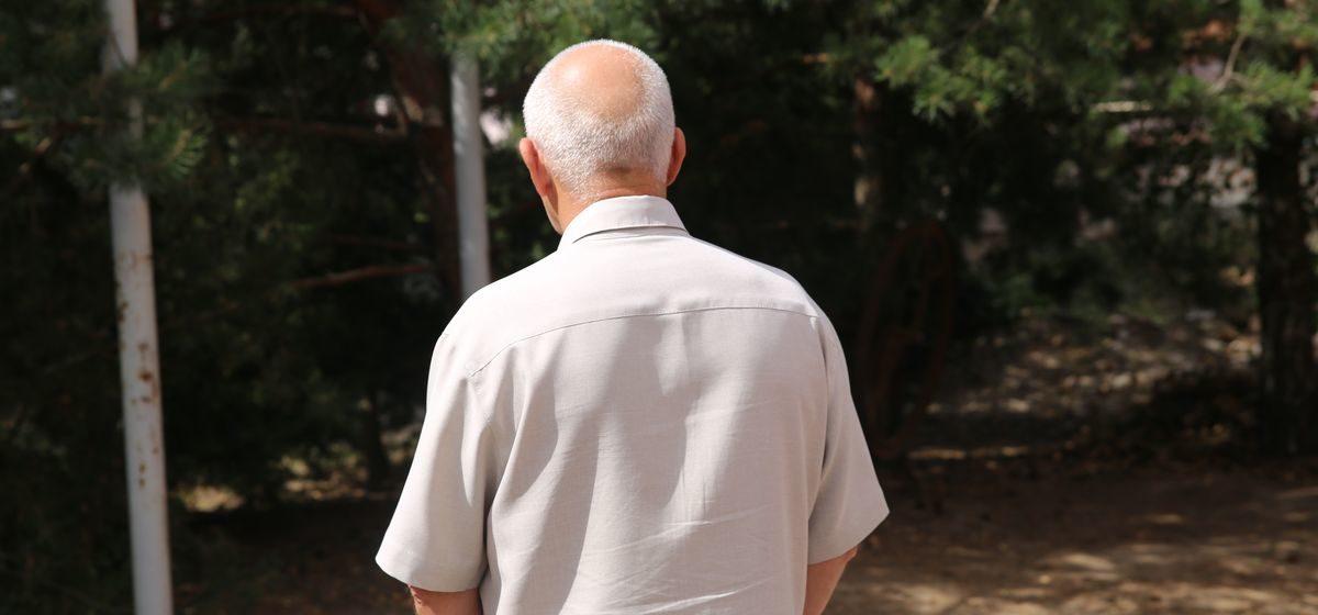 «Мой сын когда-то оперировал этого судью». Шокирующая история барановичского пенсионера, который шел к банкомату, а попал в СИЗО
