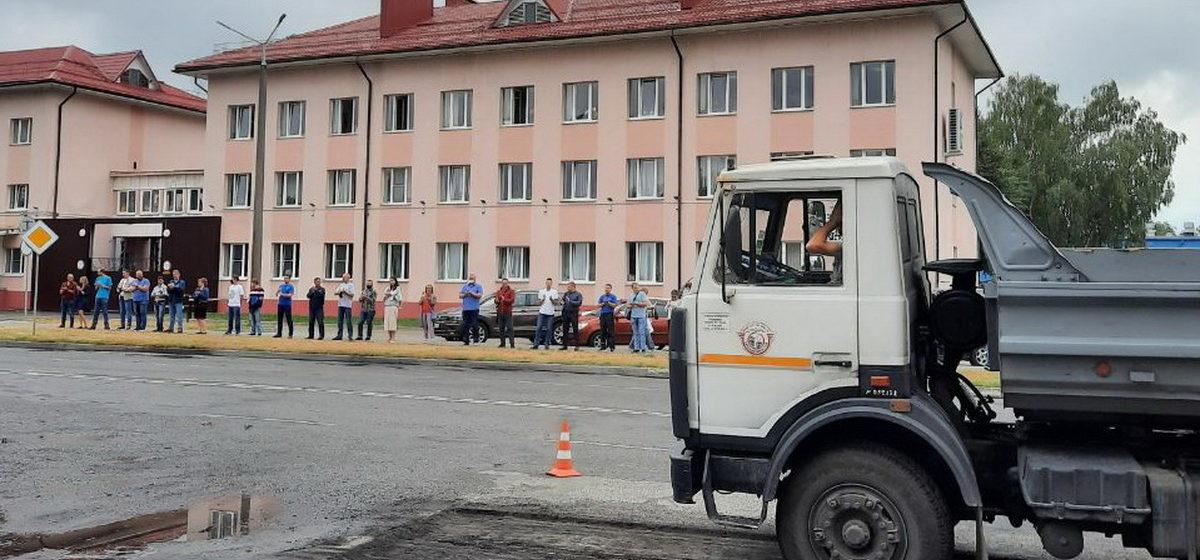 На работников барановичского авиазавода, которые выходили на акции протеста, составляют протоколы