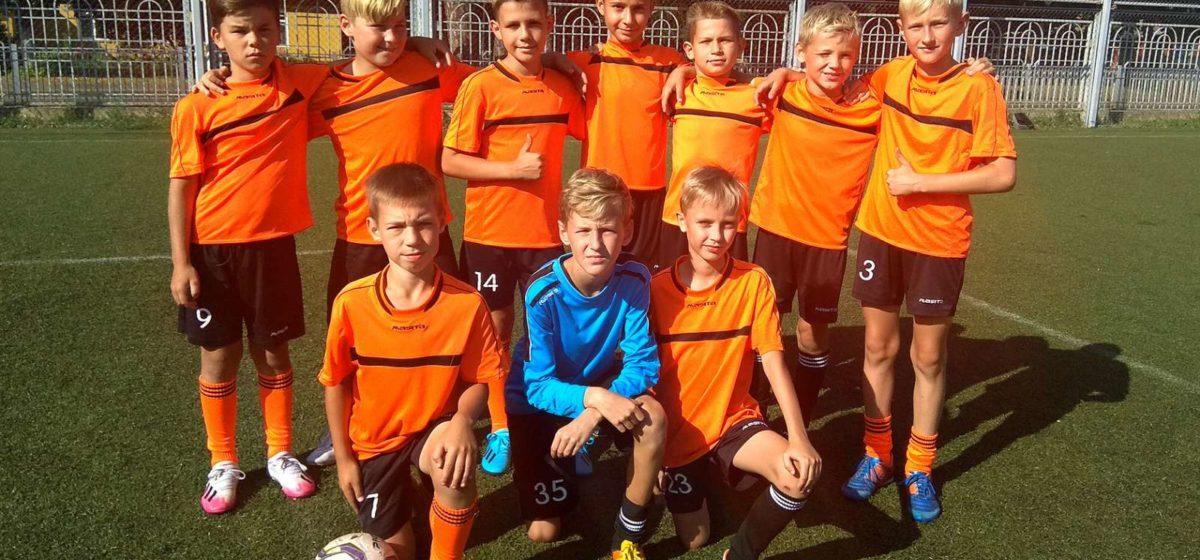Юные барановичские футболисты выиграли республиканский турнир