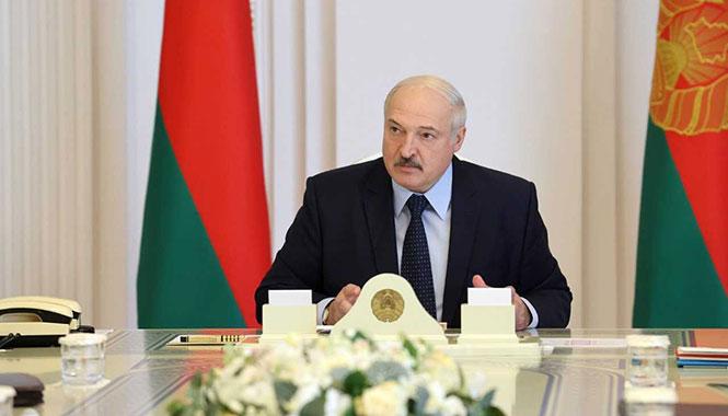 «С этими митингующими мы разберемся». Лукашенко созвал очередное заседание Совбеза