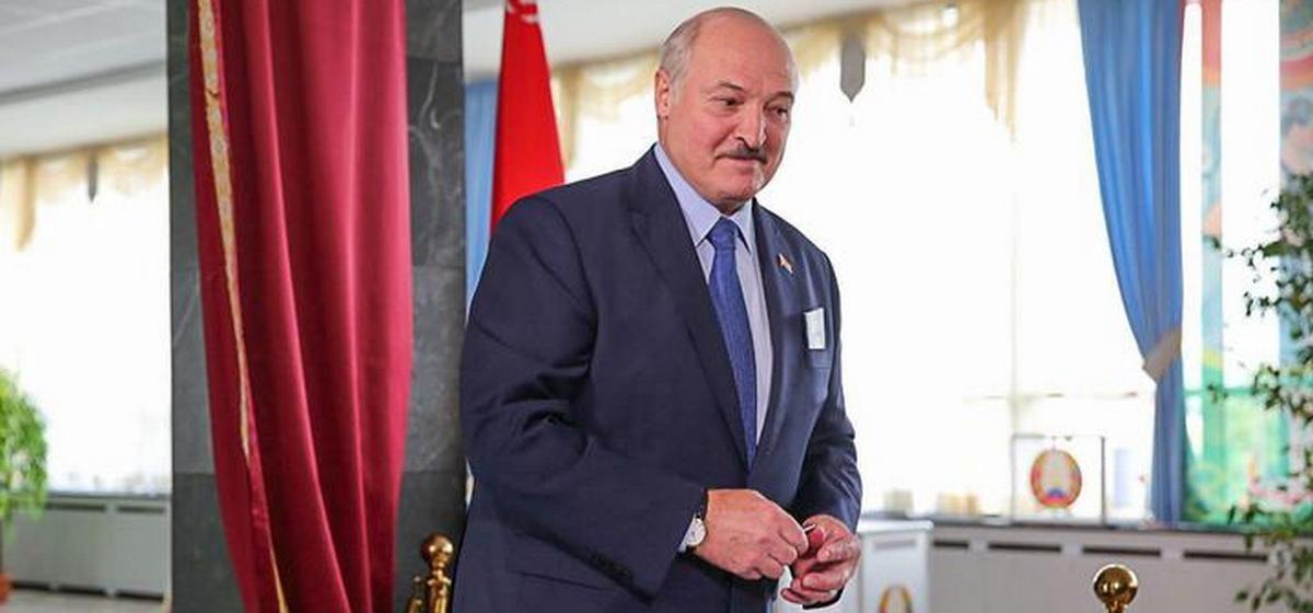 «Они ничего не стоят, чтобы против них предпринимать какие-то репрессии». Лукашенко — о соперниках и Тихановской