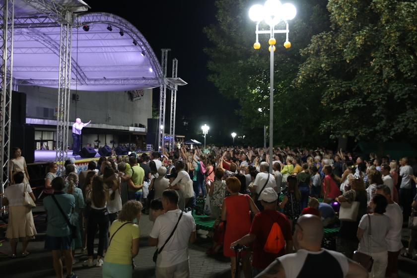 Солодуха, Тиханович и творческие коллективы города и района. Как в Барановичах прошел концерт «За Беларусь»