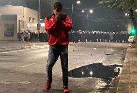Жесткие столкновения в центре Барановичей. Сотрудники МВД применили светошумовые гранаты, резиновые пули, газ и водомет