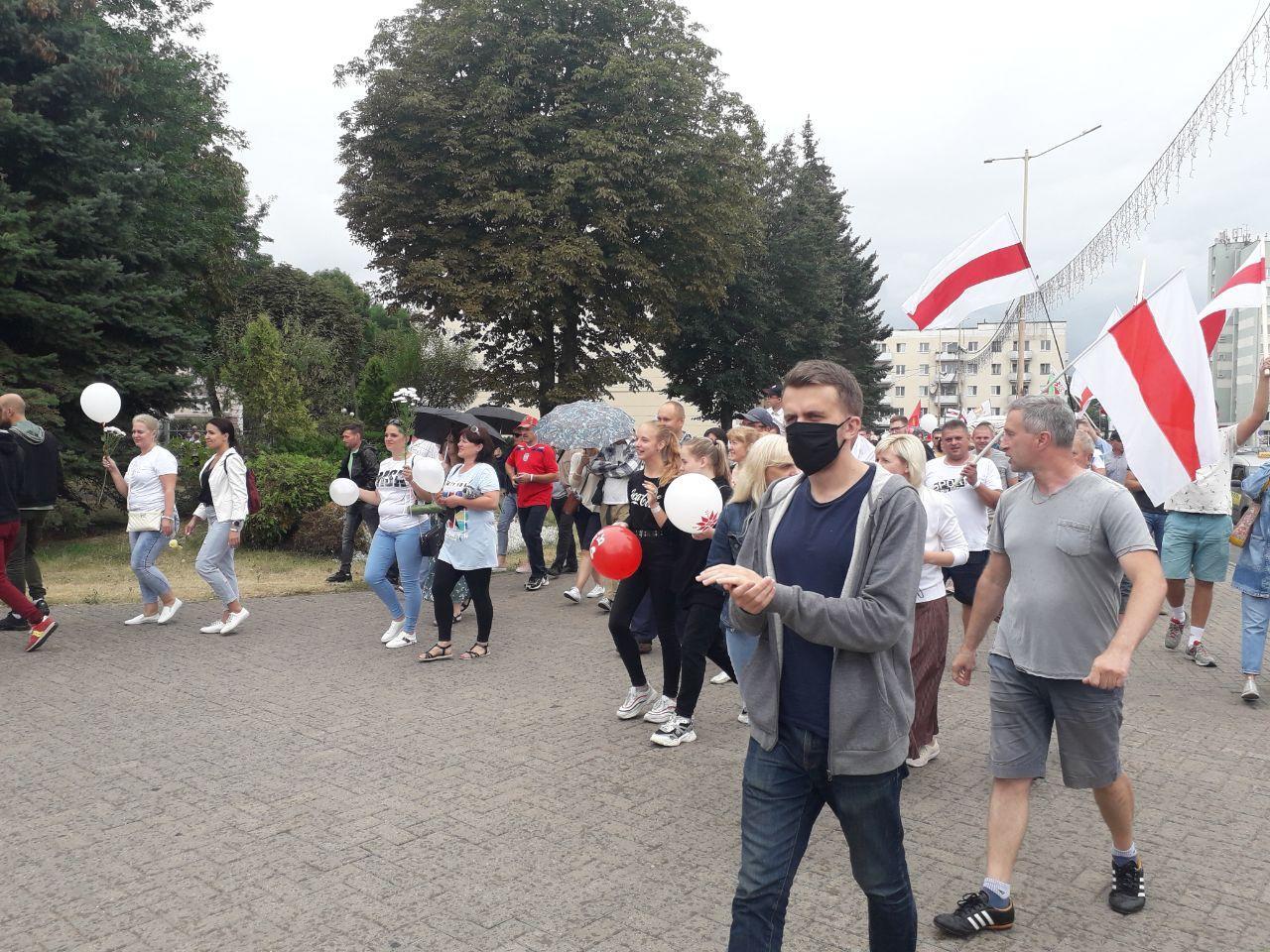 Протесты в Барановичах 23 августа. Фото: Intex-press