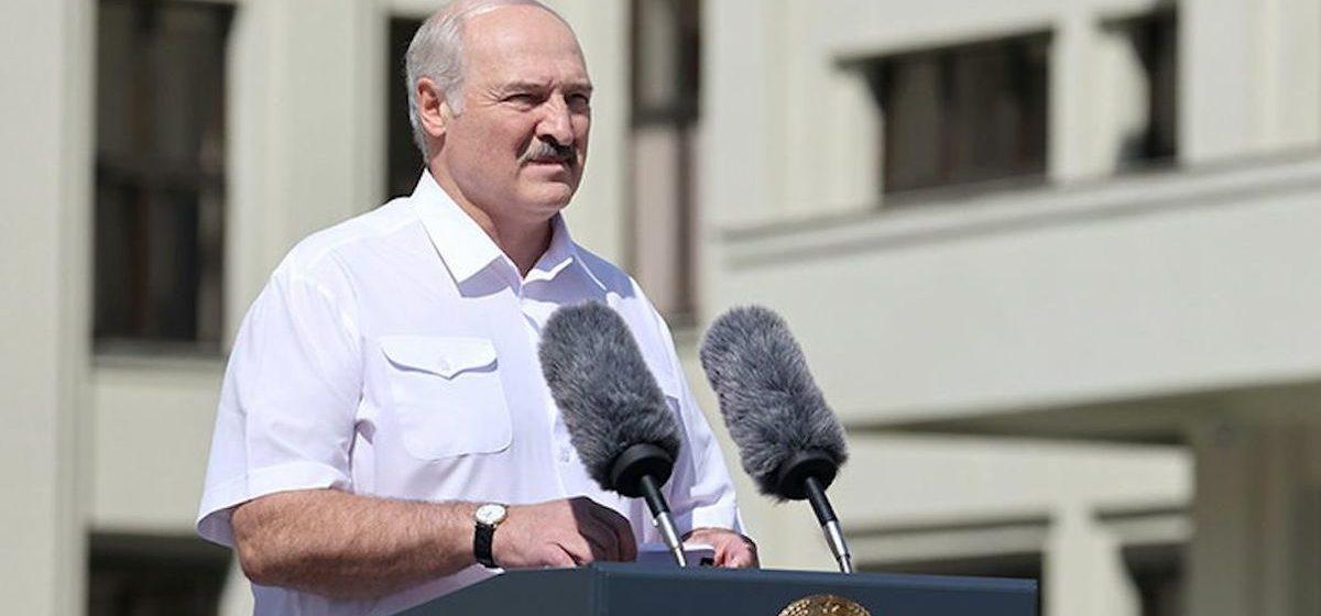 """Лукашенко: """"Даже когда я буду мертвым, я не позволю вам отдать страну!"""""""
