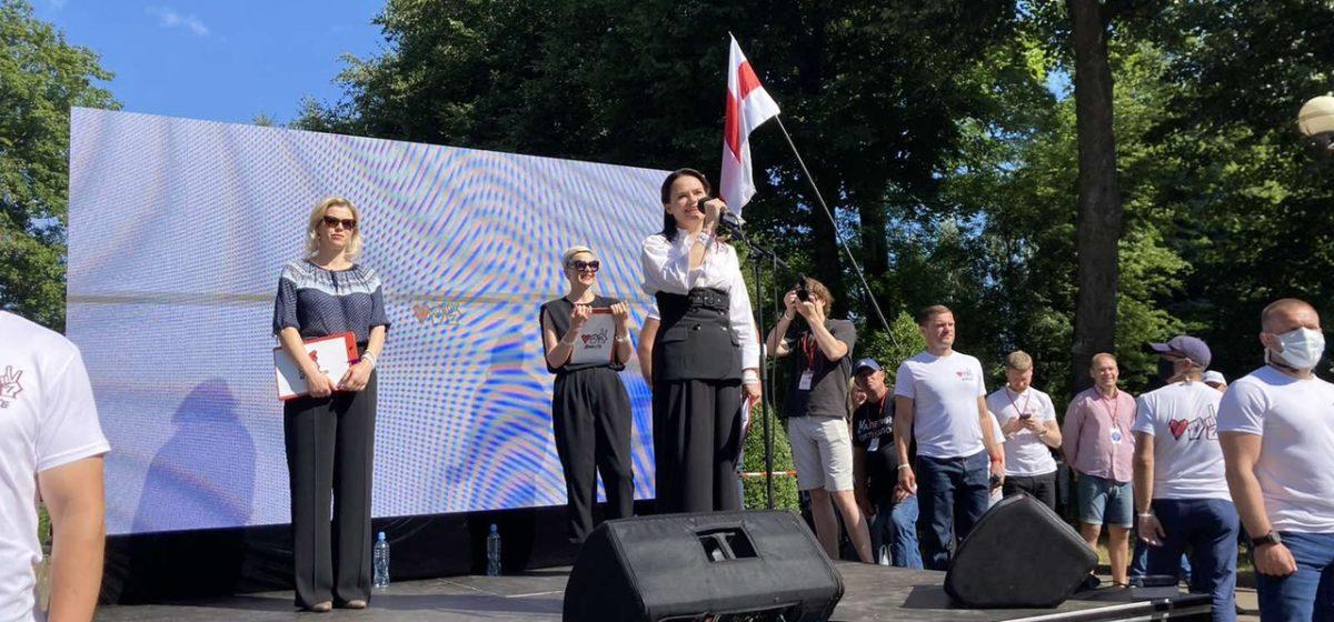 Тихановская считает, что военные не будут разгонять протестующих
