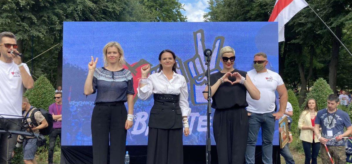 Тихановская ставит условием диалога с властями освобождение задержанных протестующих