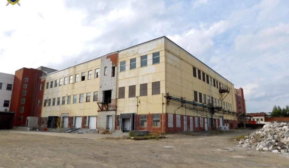 Строитель упал с высоты и разбился насмерть на предприятии в Бобруйске