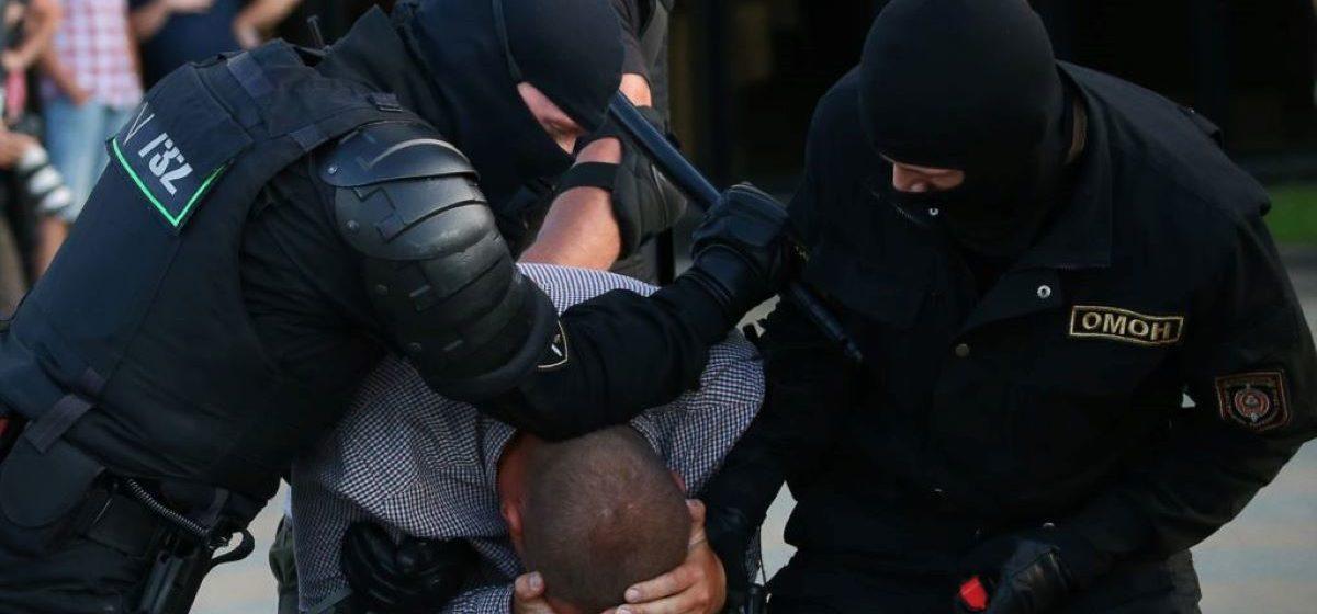 Задержанный в Барановичах специалист по криптовалютам из Приангарья: «Пропускали через шеренги омоновцев с палками: упадешь – будут добивать»