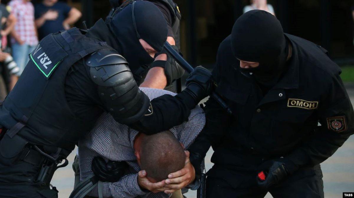 Акции протеста после объявления результатов выборов президента Беларуси. Фото: youtube.com