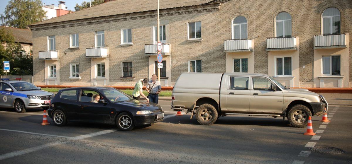 «Хонда» и «Мицубиси» столкнулись в Барановичах