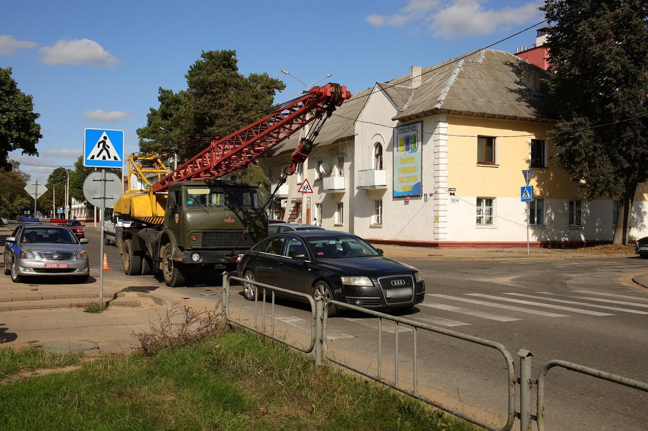 ДТП на улице Войкова. Фото: Александр КОРОБ