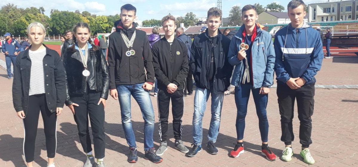 Как выступили юношеские команды Барановичской СДЮШОР по легкой атлетике на областных турнирах?