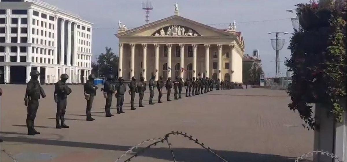 Мужчина выхватил у милиционера травматический пистолет. МВД — об инциденте в Минске 13 сентября