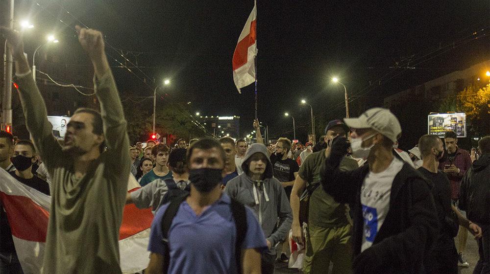 В СК заявили, что избитый 12 августа подросток активно участвовал в массовых беспорядках. Он задержан