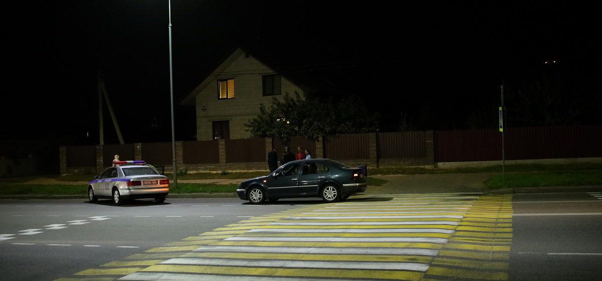 Автомобиль сбил ребенка на пешеходном переходе в Барановичах