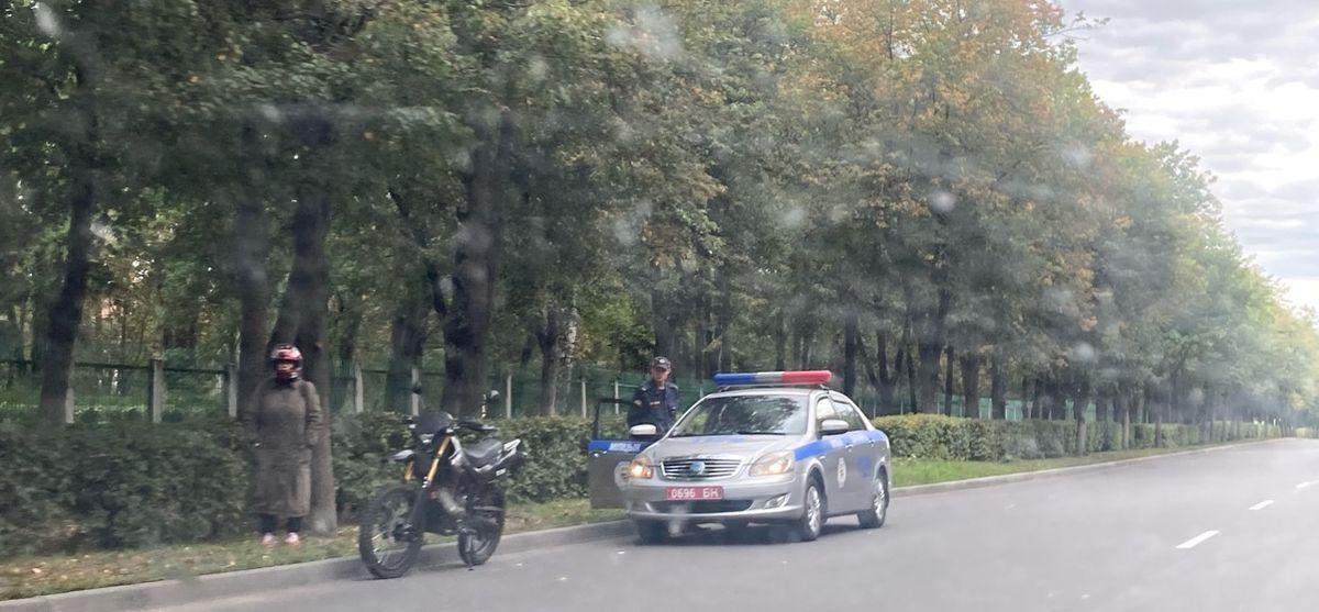 Горожанина задержали за то, что он гулял возле БПХО с собакой в день приезда Лукашенко в Барановичи