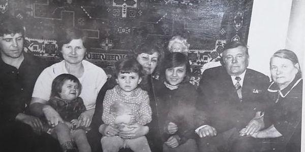 Семья Куделиных в гостях у родственников в Беларуси. Фото: архив семьи ДРЕЙЛИНГ