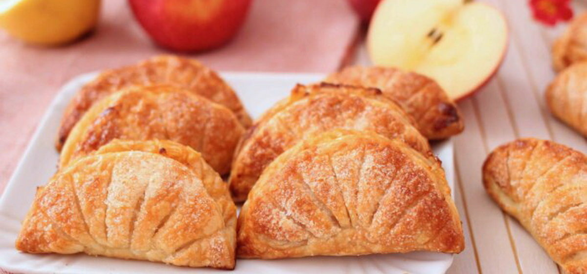 Вкусно и просто. Пирожки с яблоками без лишней мороки