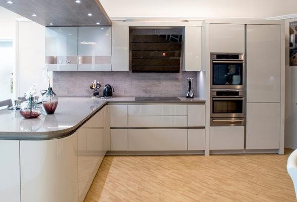 Красивые, надежные, комфортные кухни для вашего дома