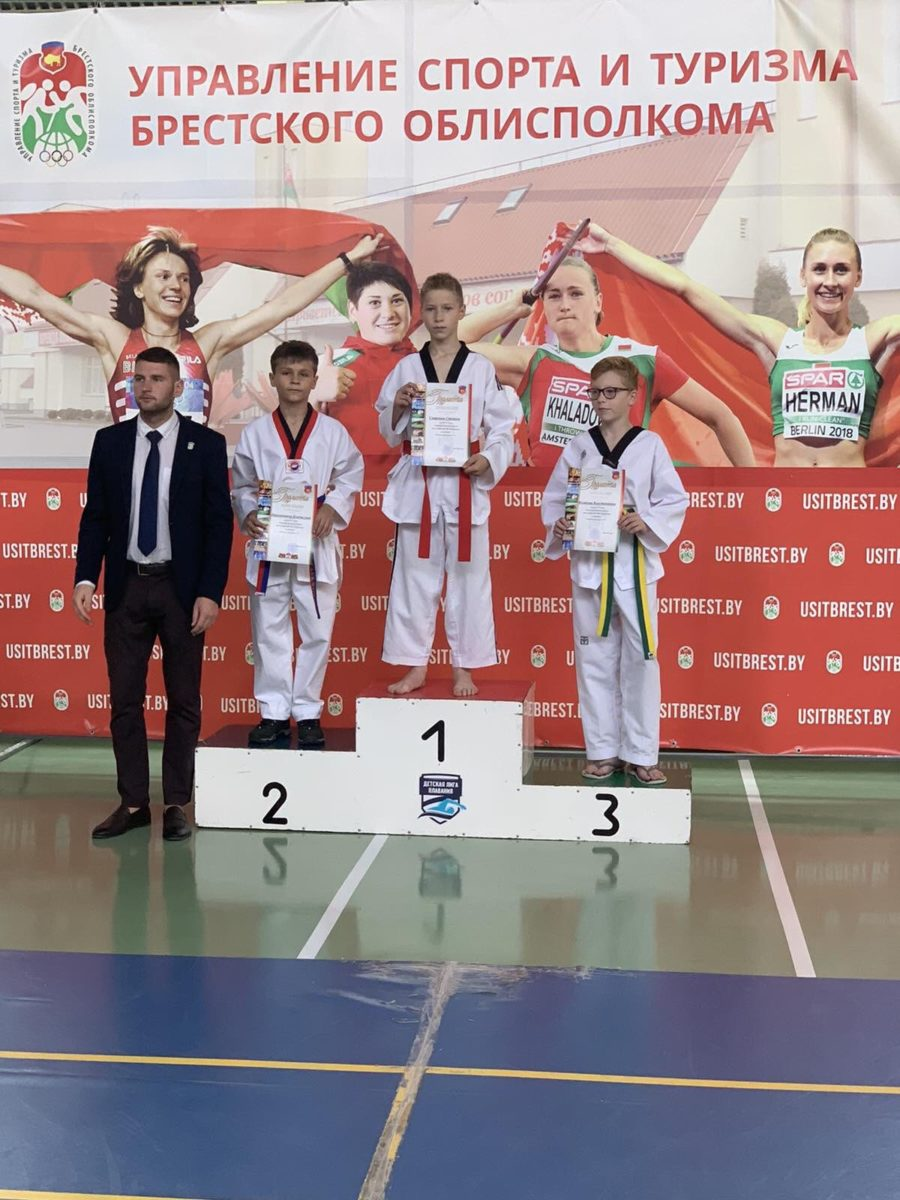 Степан Смирнов (1-е место), Влад Парханович (2-е место).