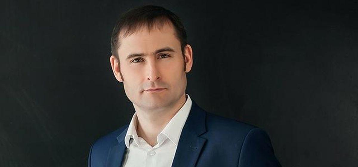 В Барановичах задержали экс-главу штаба Бабарико. Авто с подписными листами по подготовке к отзыву депутата забрал эвакуатор