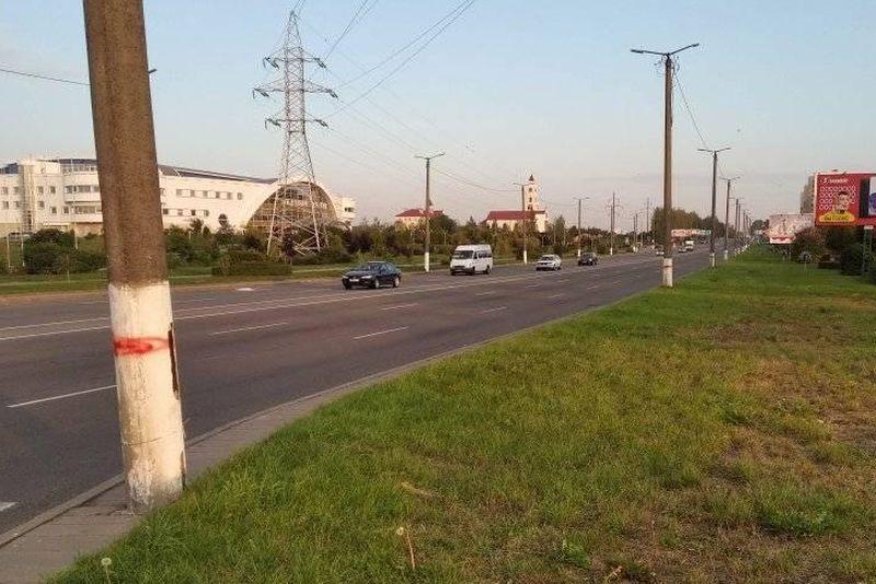 Столбы на проспекте Советском в Барановичах.