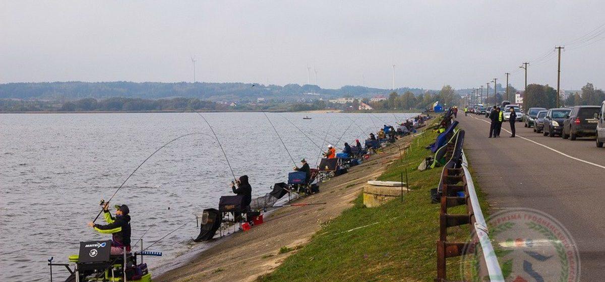 Житель Барановичей занял второе место на чемпионате по спортивному лову рыбы в Гродненской области