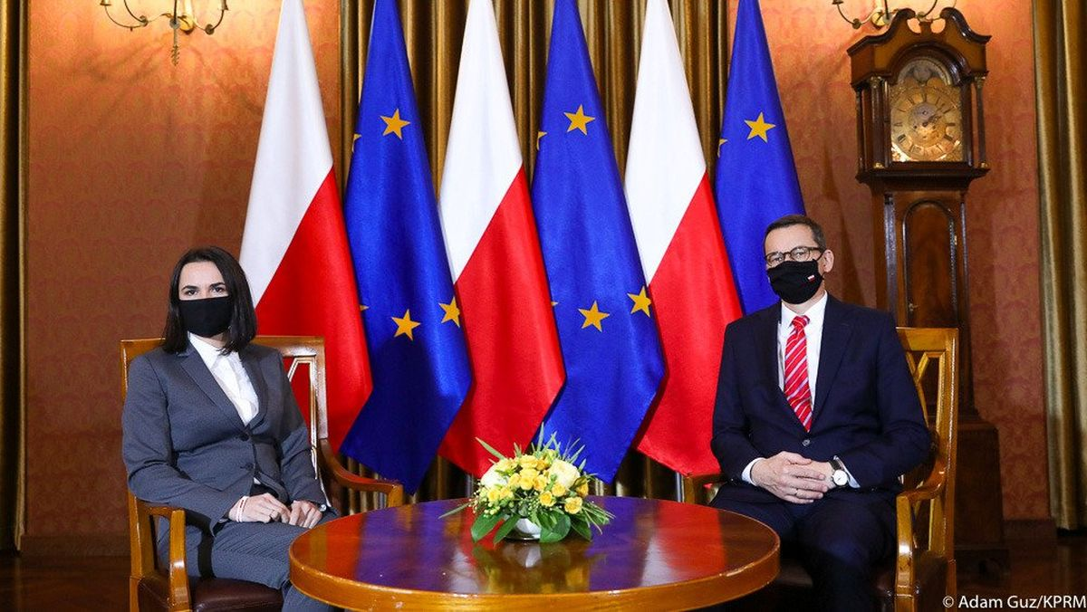 Светлана Тихановская с премьер-министром Польши Матеушем Моравецким. Фото: пресс-служба Светланы ТИХАНОВСКОЙ