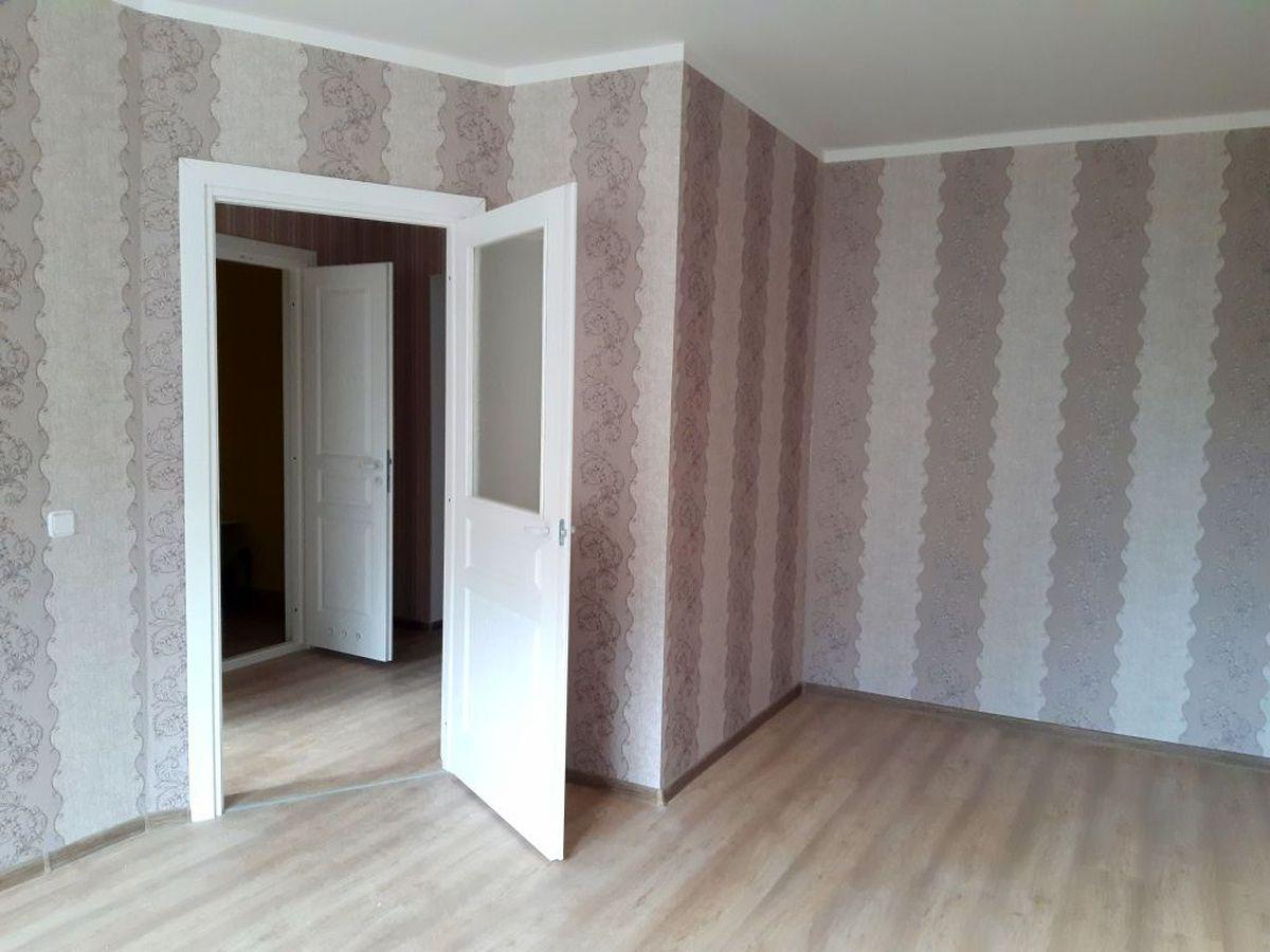 Жилая комната в однокомнатной квартире. Фото: Елена ЗЕЛЕНКО