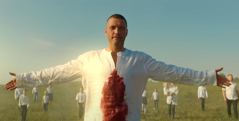 Звезда белорусской оперы Сильчуков записал клип на «Магутны Божа». Посмотрите, это очень мощно