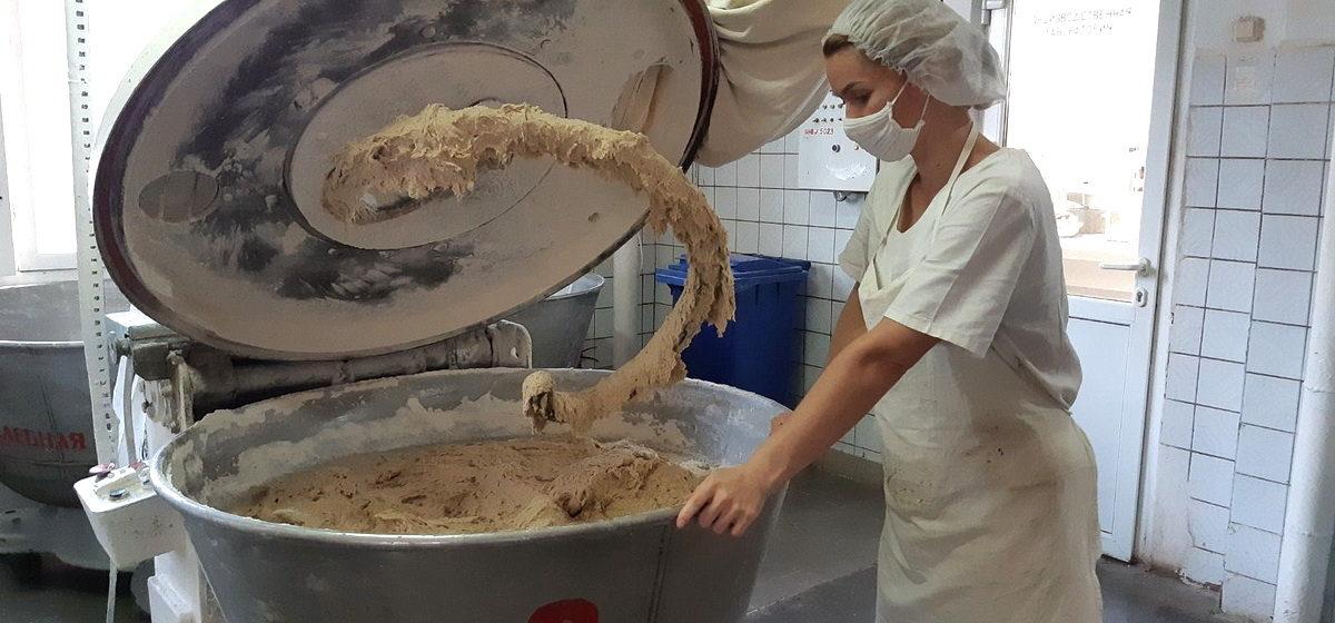 Как на Барановичском заводе хлеб пекут