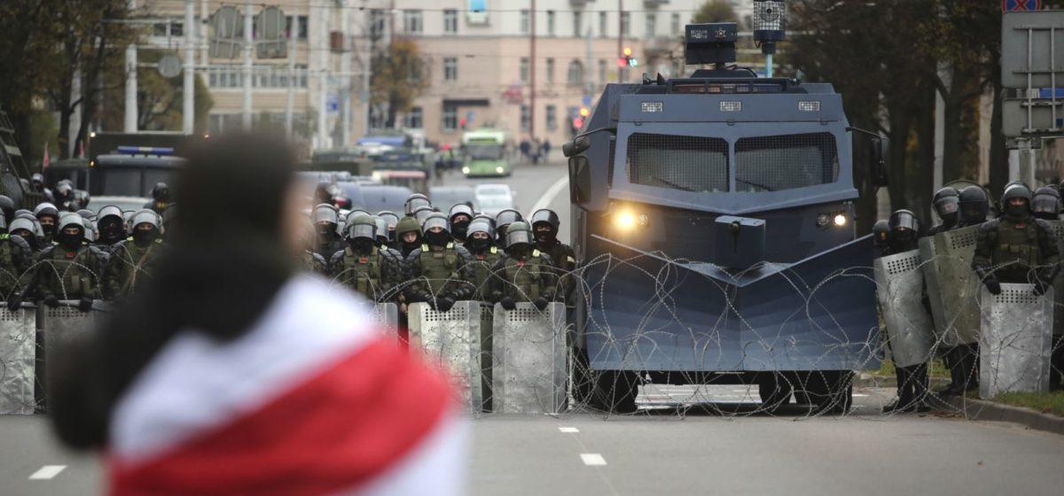«Лукашенко в 90% случаев блефует». Почему Лукашенко не будет жестоко разгонять протесты