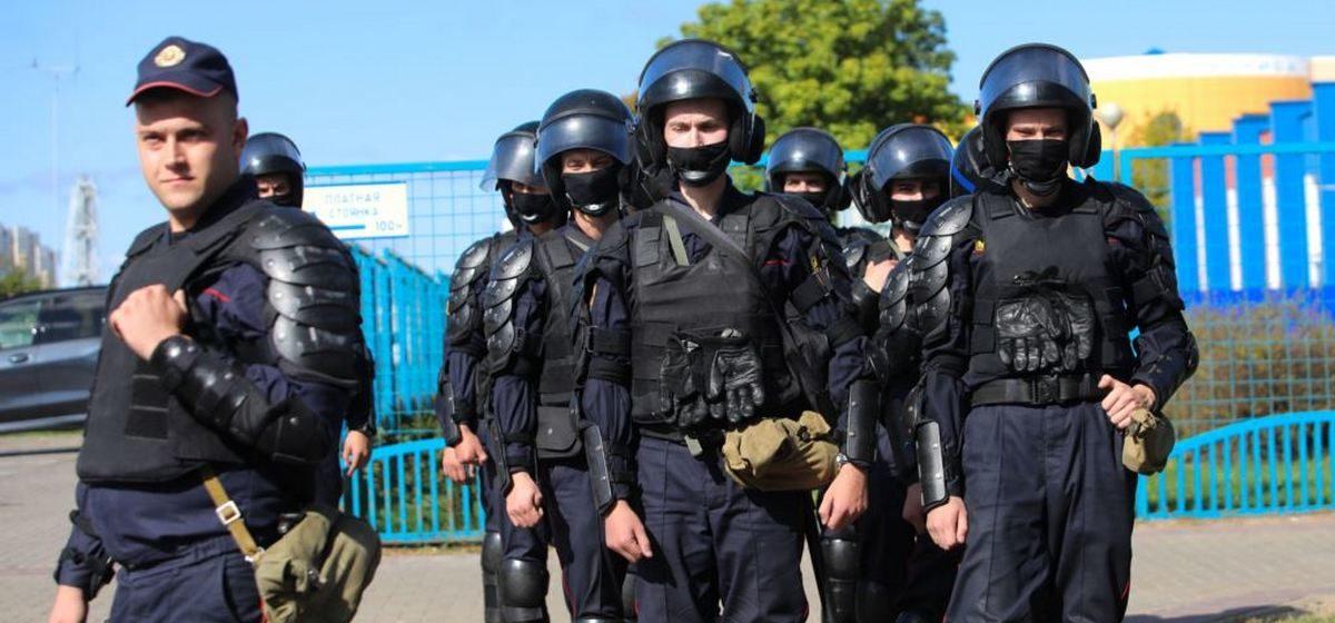 Какие пенсии у бывших силовиков и чиновников в Беларуси
