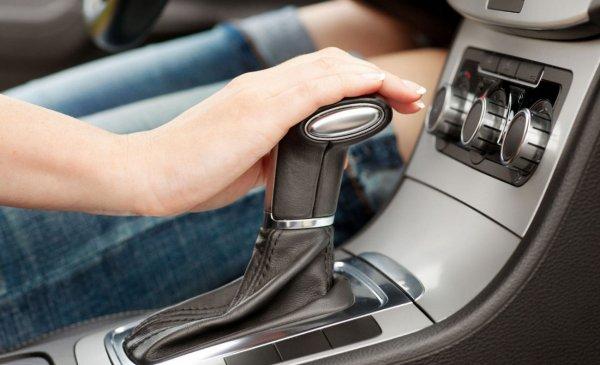 ГАИ предложила ввести в Беларуси отдельные права для езды на машине с «автоматом»