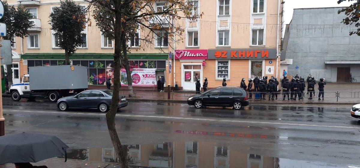 Марш протеста. Что происходит в Барановичах 11 октября. Онлайн