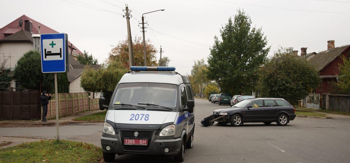 «Газель» милиции и «Ауди» столкнулись в Барановичах