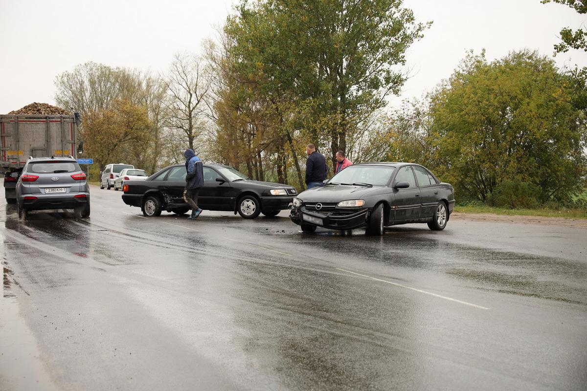 Авария на улице Минской. Фото: Александр КОРОБ