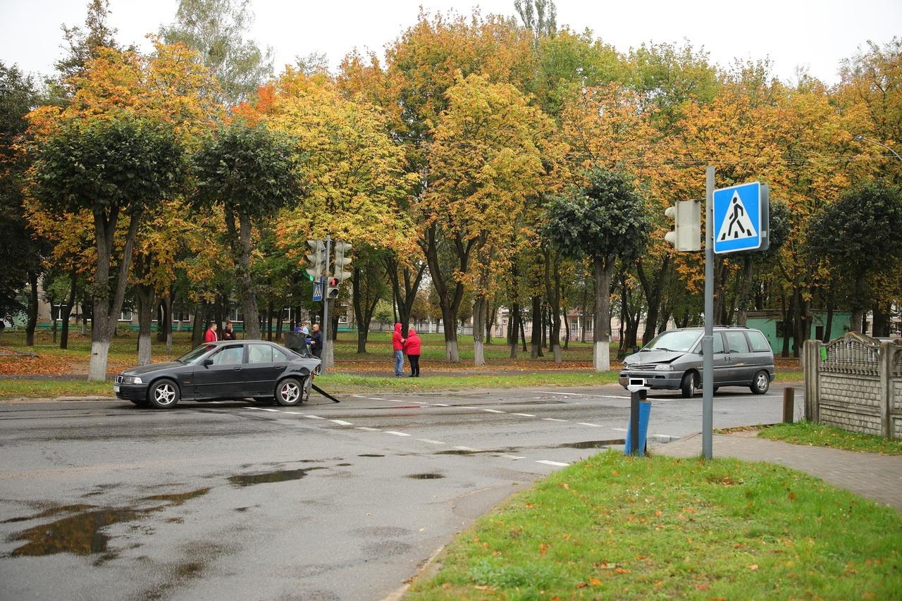 ДТП на улице Кирова. Фото: Александр КОРОБ