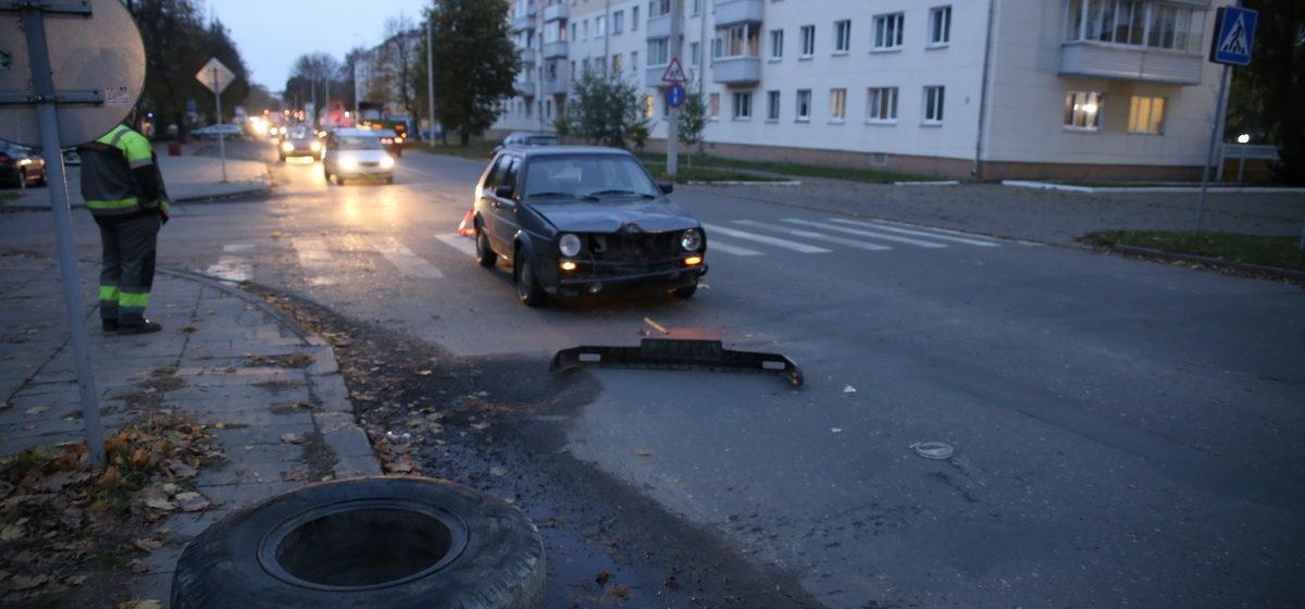 В Барановичах запасное колесо от «МАЗа» упало на «Фольксваген»