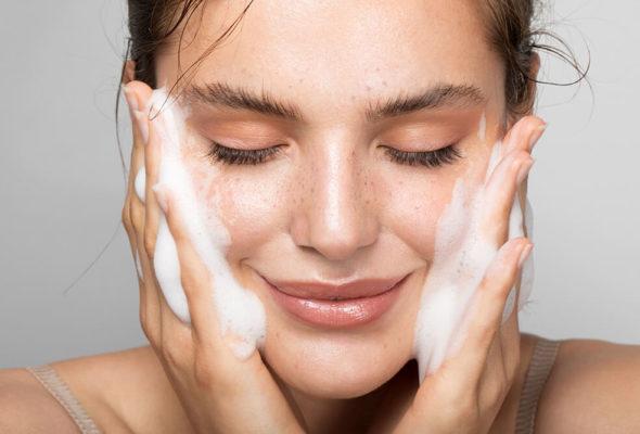Уход за кожей лица: основные этапы