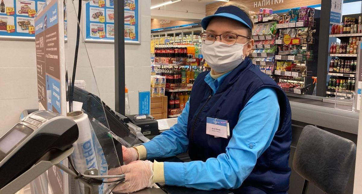 Горожанка Алла – продавец одного из барановичских магазинов. Фото: Диана КОСЯКИНА