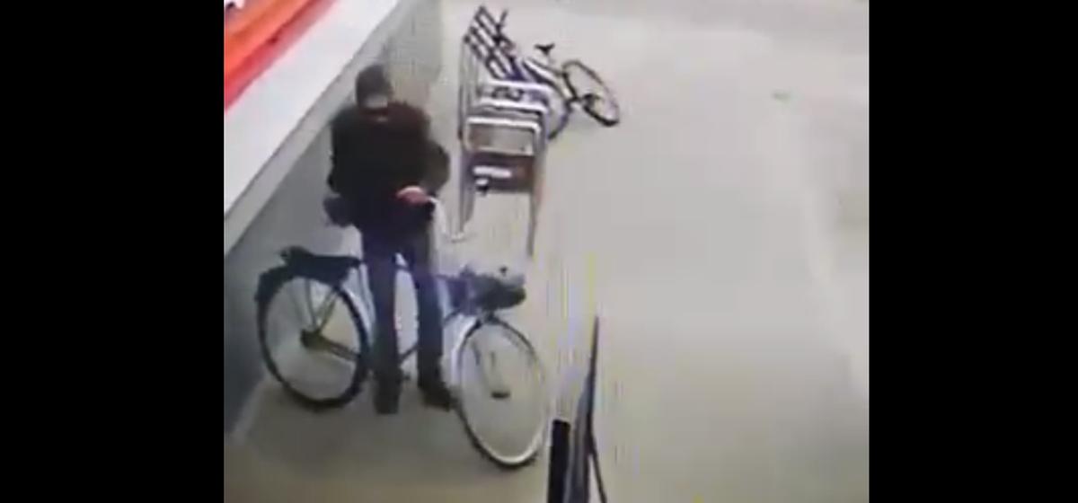 Мужчину, которого подозревают в хищении велосипеда, разыскивает барановичская милиция