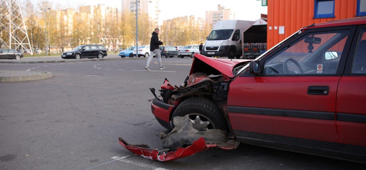 «Ивеко» и «Мазда» столкнулись в Барановичах