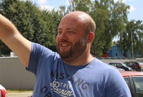 Работнику авиазавода, который собирал подписи под обращением к властям Барановичей, не продлевают контракт