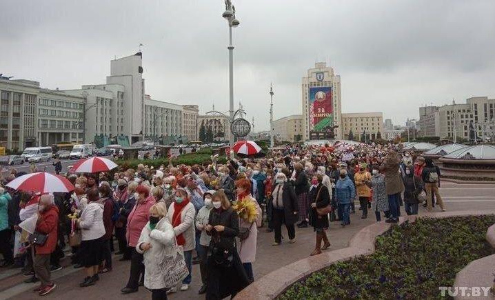 В Минске проходит массовый марш пенсионеров. Фото/видео